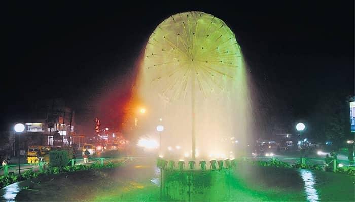 Beautiful Fountain at Phool Bagh