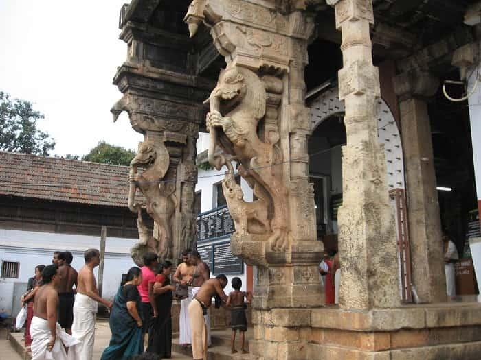 Devotees entering Sree Padmanabhaswamy Temple